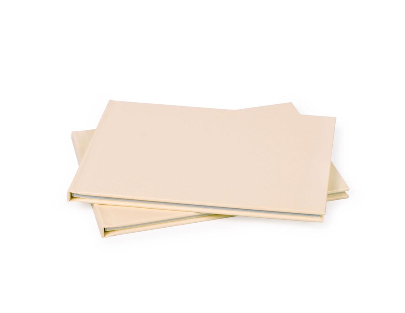Принтбук в твердой обложке из искусственной кожи 21х15, бежевый (40 страниц)