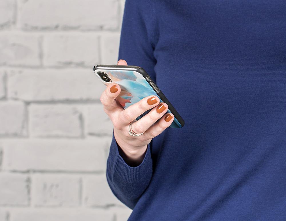Печать фото на чехол для iPhone в регионах России с доставкой